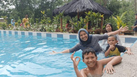 Komodo Pool-Kolam Renang dengan Suasana Pedesaan